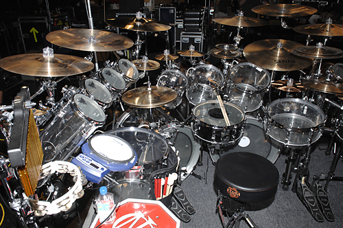 http://www.musicplayers.com/features/drums/2007/images/Portnoy_Kit_rear.jpg
